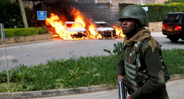 Más disparos y una explosión se escuchan en la zona del hotel Dusit de Nairobi