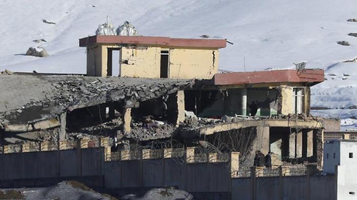 Dutzende Tote nach Taliban-Anschlag