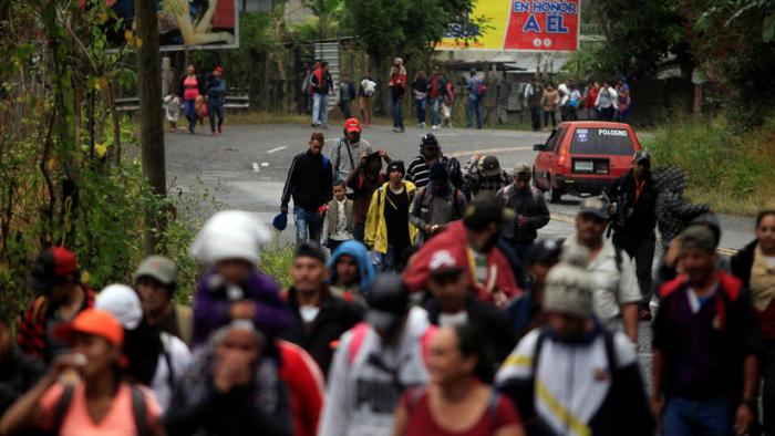 """""""Habrá migración hasta que cambie la realidad en Honduras""""  : La nueva caravana avanza hacia Guatemala"""