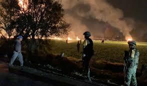 Asciende a 91 la cifra de muertos por la explosión de oleoducto en México