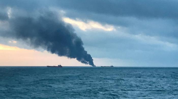 Al menos diez muertos en un incendio de dos barcos en el estrecho de Kerch