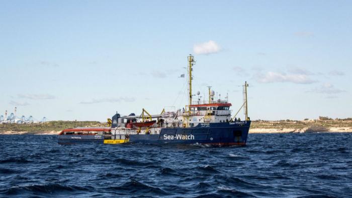 Migrants en Méditerranée: accord pour accueillir les 49 migrants à Malte