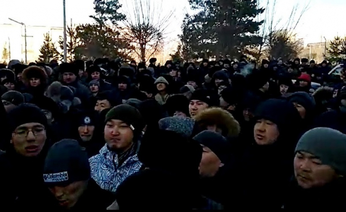 Kazakhs hold rally after murder in which Armenians are suspects -   VIDEO