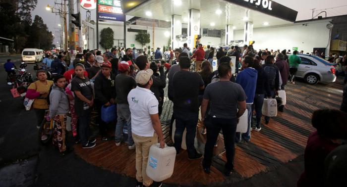La escasez de gasolina en México afecta hasta a los perros