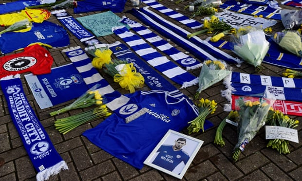 Emiliano Sala: Guernsey authorities asked to resume search
