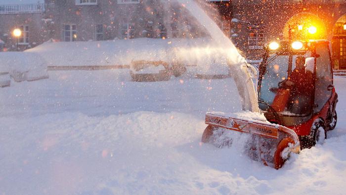 VIDEO  : Avalancha de nieve de 300 metros irrumpe en un hotel en Suiza