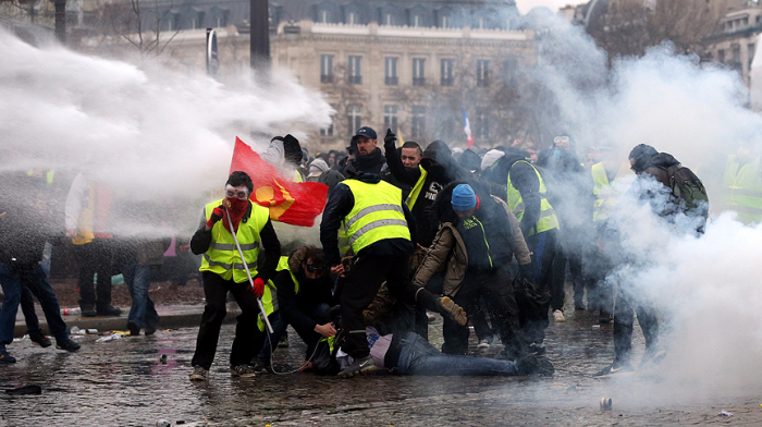 Fransada 240 etirazçı saxlanılıb - FOTOLAR (Yenilənib)