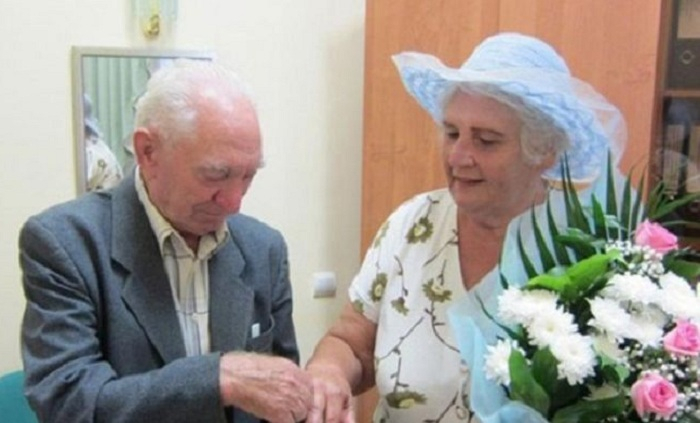 Azərbaycanda yaşı 70-dən yuxarı olan 221 nəfər evlənib
