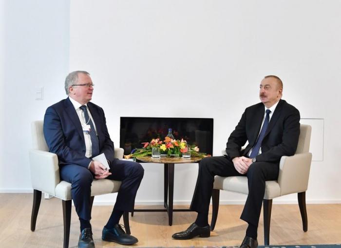 President Aliyev meets Equinor CEO in Davos