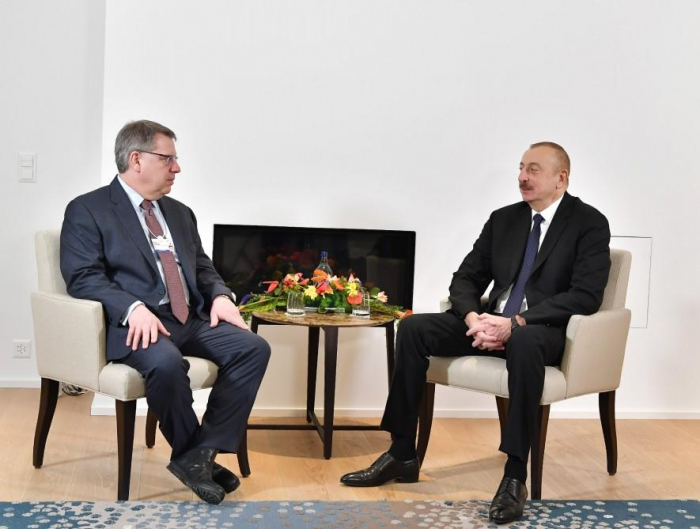 President Aliyev meets The Boston Consulting Group CEO in Davos -   PHOTO