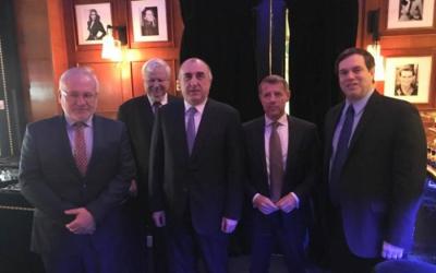 محمدياروف يجتمع مع الرؤساء المشاركين في باريس