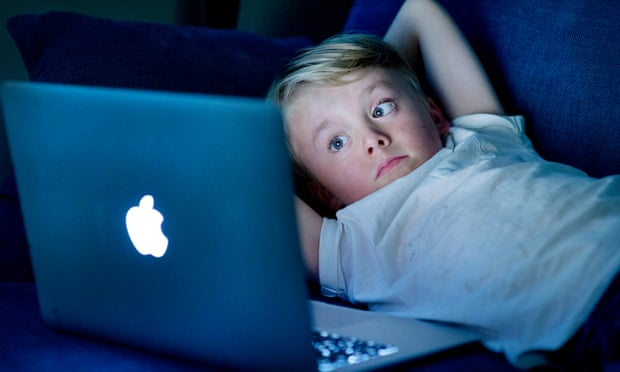 Study links high levels of screen time to slower child development
