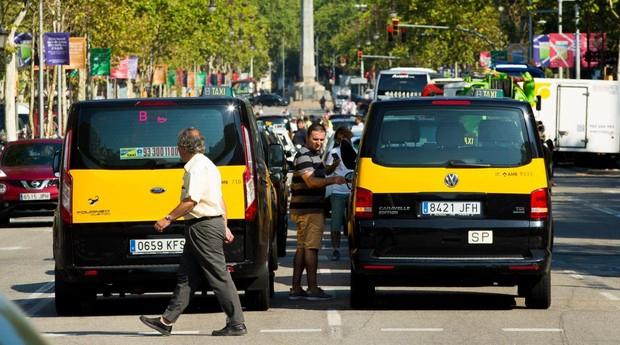 Todo sobre el conflicto en España de los taxistas con Uber y Cabify
