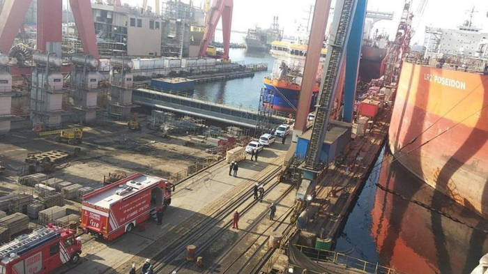 2 dead, over 10 injured   in fire at shipyard in Istanbul