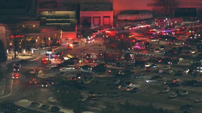 Al menos un muerto en un tiroteo en un centro comercial de EE.UU.