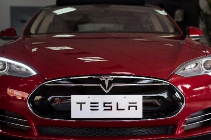 USA: plainte contre Tesla après un accident mortel