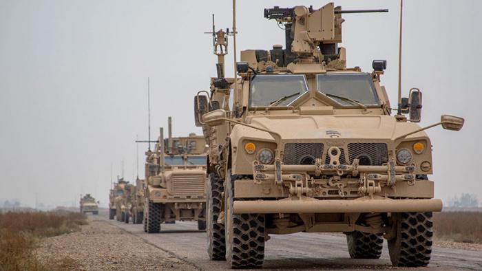 El Pentágono envía buques a las costas de Siria para retirar sus tropas