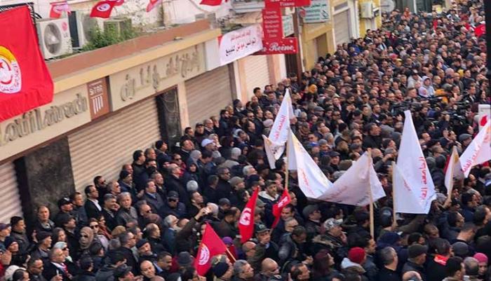 Tunisie : appel à une nouvelle grève dans le secteur public