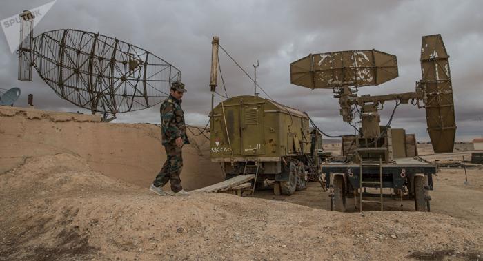 Vídeo  : militares sirios repelen una ofensiva aérea israelí