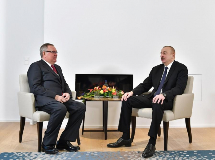 President Aliyev meets head of VTB Bank in Davos