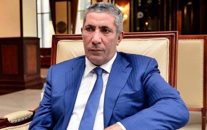 """Siyavuş Novruzov: """"Qəzet var ki, 10 işçisi mənzil alıb"""""""
