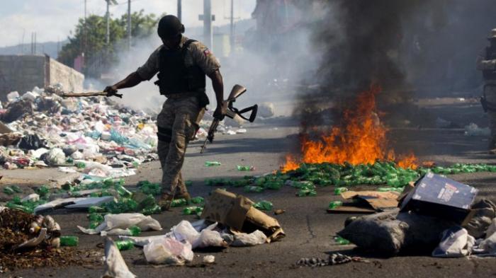 Proteste legen öffentliches Leben lahm