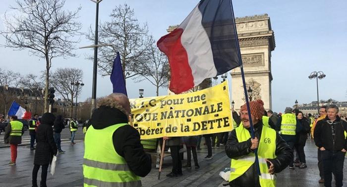 Gilets jaunes:   des tensions à Paris