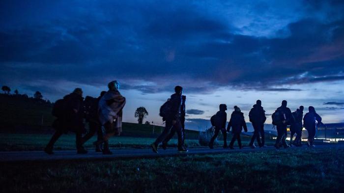 CDU klopft Flüchtlingspolitik ab