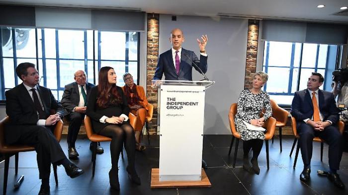 Sieben Labour-Abgeordnete verlassen Partei