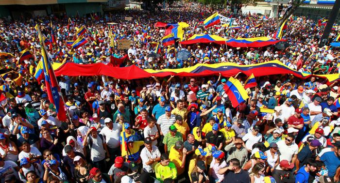 روسيا ترسل إلى فنزويلا 300 طن من الأدوية