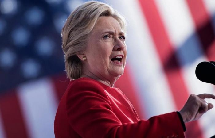 """Klinton: """"Tramp Putinə hədiyyə verdi..."""""""