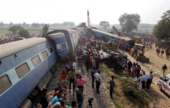 6 killed, many injured in train derailment in India