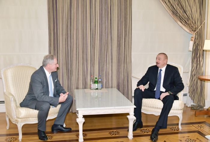 Staatspräsident Ilham Aliyev empfängt IAF-Exekutivdirektor