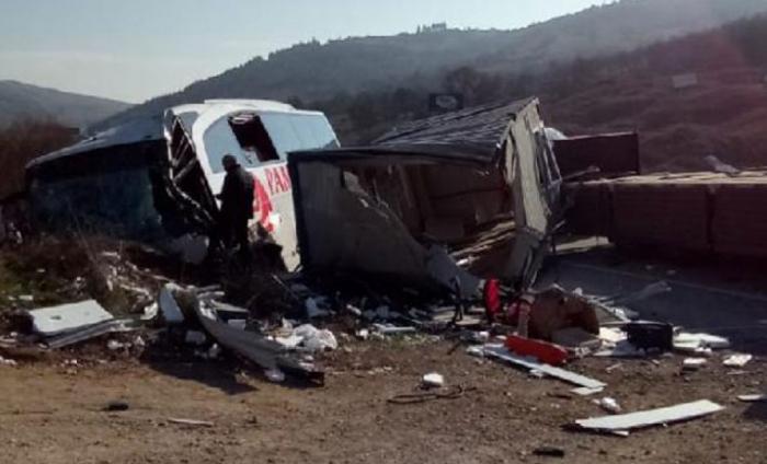Türkiyədə avtobus qəzasında 29 nəfər yaralanıb