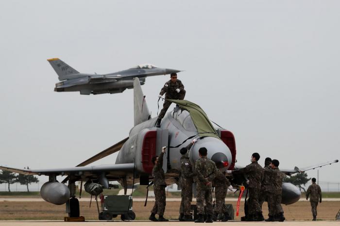 U.S., South Korea reach deal on troop costs ahead of summit