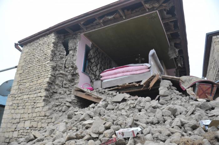 Şamaxıda zəlzələnin ziyan vurduğu 132 ev yenidən tikiləcək