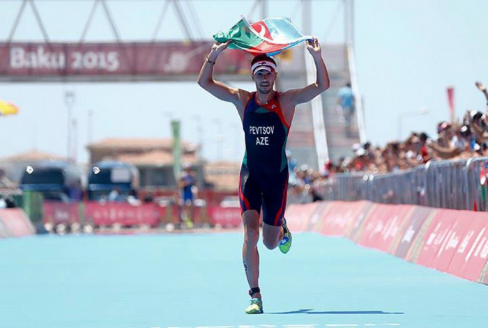 El jugador de triatlón de Azerbaiyán guarda su posición en el ranking internacional