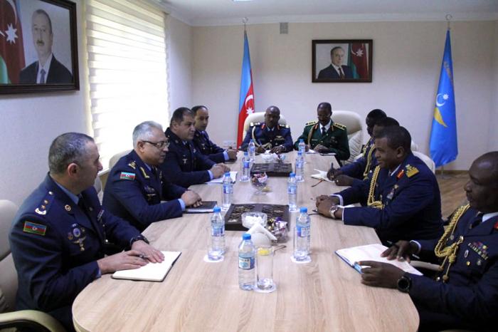 Aserbaidschan, Nigeria diskutieren Möglichkeiten für eine Zusammenarbeit zwischen Luftstreitkräften