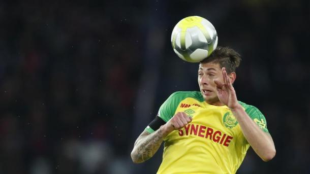 El Nantes francés rinde homenaje al futbolista Emiliano Sala y retira el número nueve