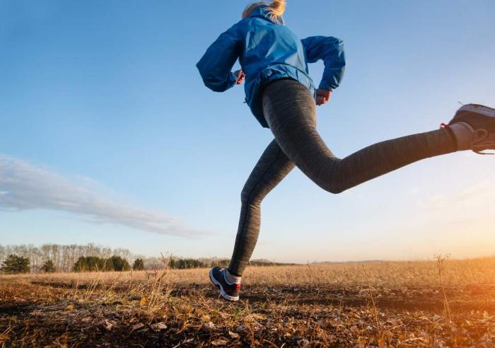 Female British runner sets world record in marathon challenge