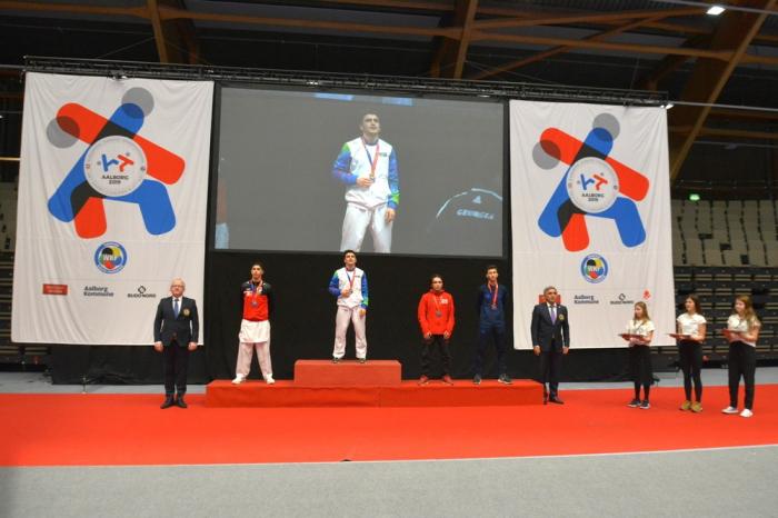 Karateçilərimiz Avropa çempionatında 3 qızıl medal qazanıb