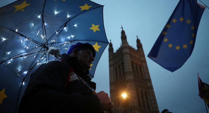 El 53% de los británicos, a favor de posponer el Brexit
