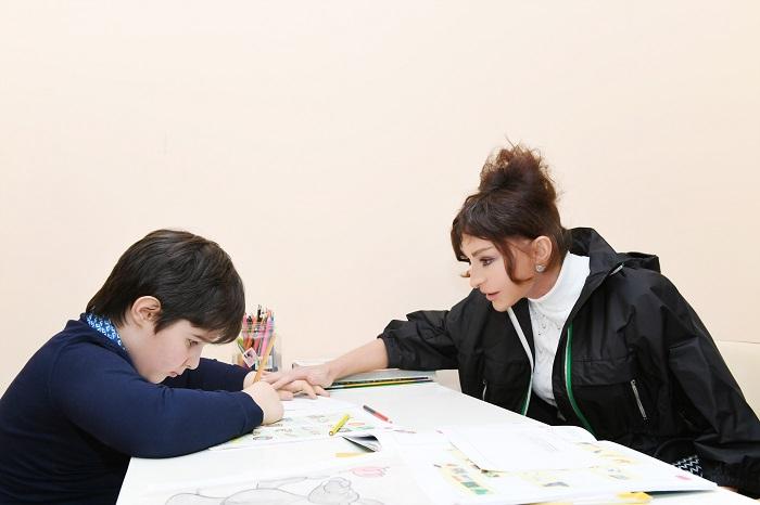 Mehriban Əliyeva Uşaq Psixonevroloji Mərkəzində - FOTOLAR