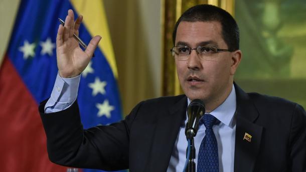 """Canciller de Venezuela: """"Nos sentencian sin siquiera habernos escuchado"""""""
