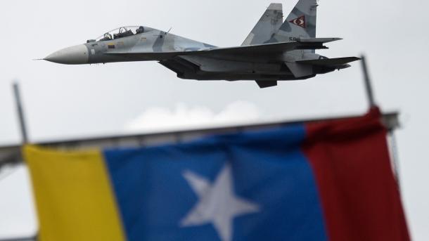 Venezuela realiza ensayo militar en el bicentenario de Discurso de Angostura de Bolívar