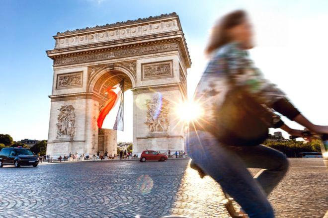 Paris to sue Airbnb over