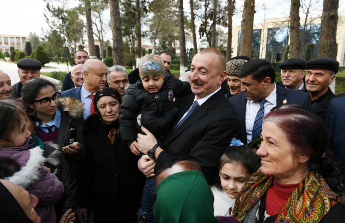 Prezident Beyləqanda sakinlərlə görüşüb - FOTOLAR