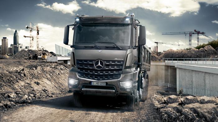 Daimlers Lkw-Sparte erreicht 1,4-Milliarden-Kostensenkungsziel