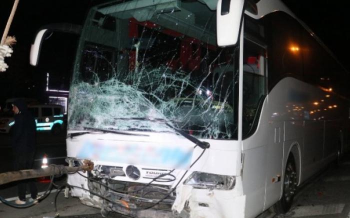 Türkiyədə avtobus qəzası: Ölən və yaralılar var