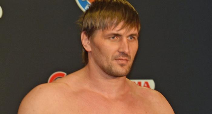 """""""Absurd"""": Sportler kommentiert erste Niederlage von russischem MMA-Kämpfer Minakov"""